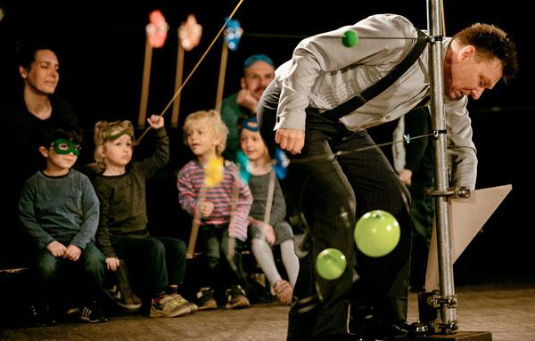 Pressefoto: theater monteure - augenblick mal