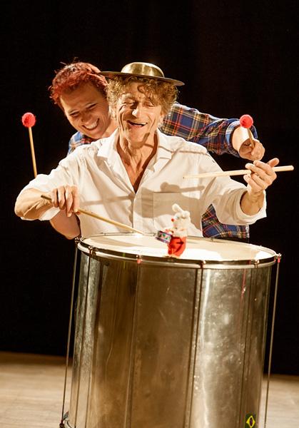Pressefoto: theater monteure - drum herum